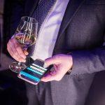 Bollicine Ferrari per festeggiare il nuovo Samsung Galaxy S7