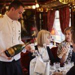 Bollicine Ferrari e Belmond Italia brindano alla loro collaborazione a bordo del Venice Simplon-Orient-Express