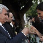 A Roma da giovedì 27 maggio l'avvenimento artistico dell'anno. A tutto Ferrari, e con bottiglie maxi, l?inaugurazione a Roma del MAXXI