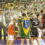 Nella Champions League di pallavolo si festeggia sempre con bollicine Ferrari