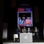 Antonio Rizzolo ritira il Premio Copertina dell'Anno. Nella foto con Matteo e Camilla Lunelli e Duilio Giammaria
