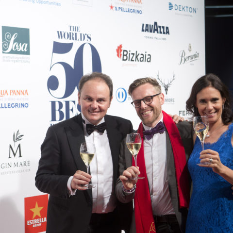 Søren Ledet del ristorante vincitore Geranium, con Matteo e Camilla Lunelli